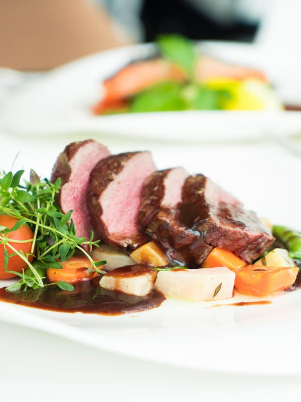 sous-vide-steak-medium-rare-easy-plated-tomato