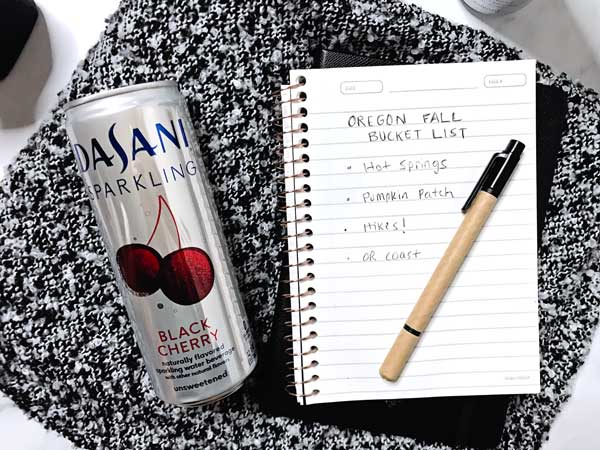 oregon bucket list taking dasani cherry sparkling on a road trip in the fall in oregon_0691