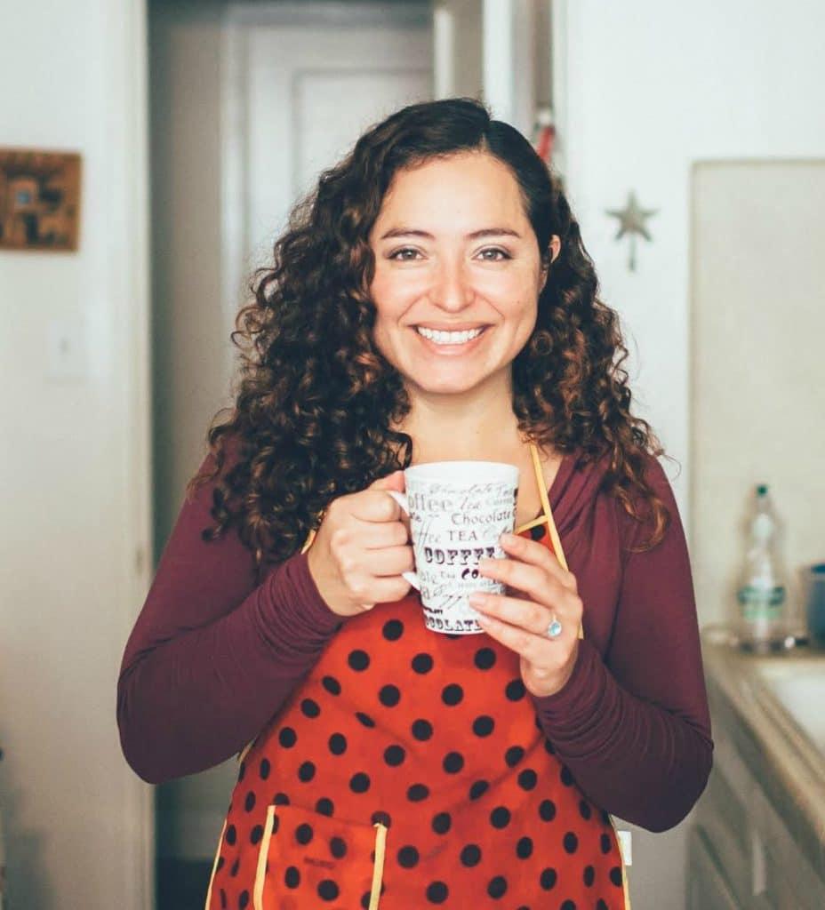 Maggie Unzueta - Mama Maggie's Kitchen with food blogger tips