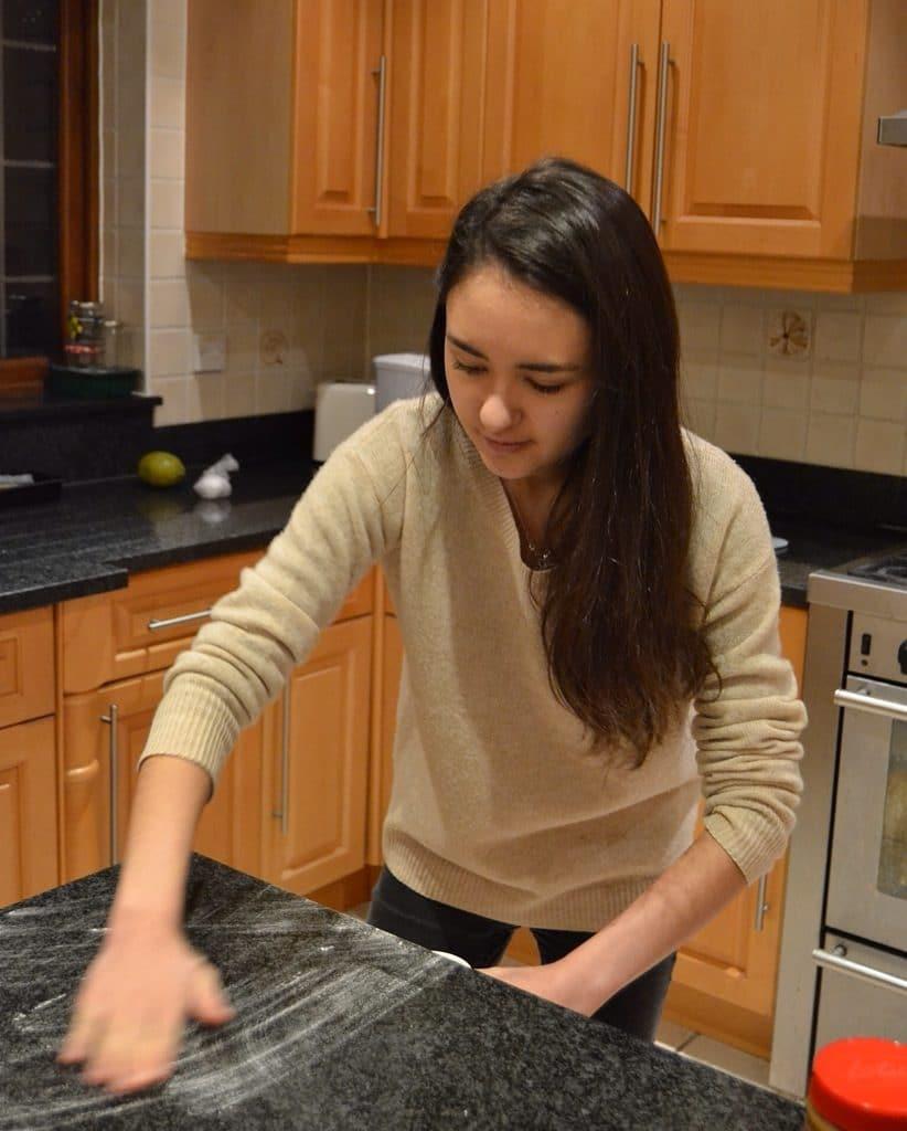 Rhian Williams from Rhians Recipes food blog tips