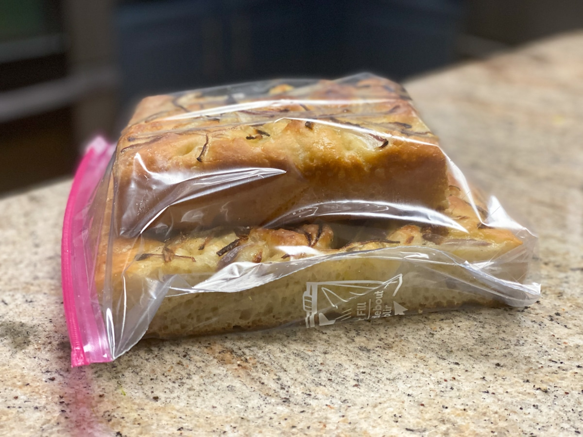 storing focaccia for days in ziploc bags