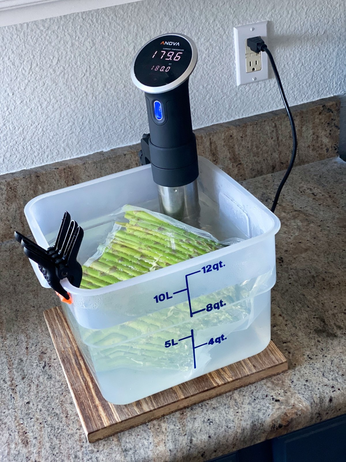 Sous vide asparagus at 180 with the anova sous vide cooker