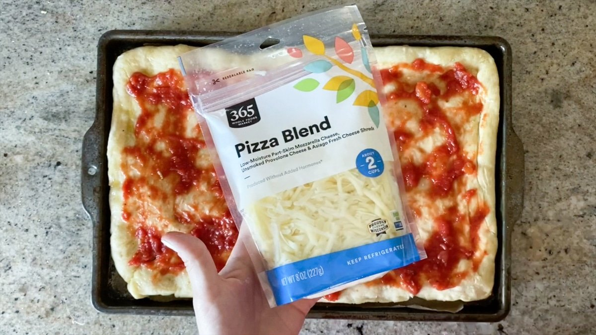 whole foods pizza blend cheese