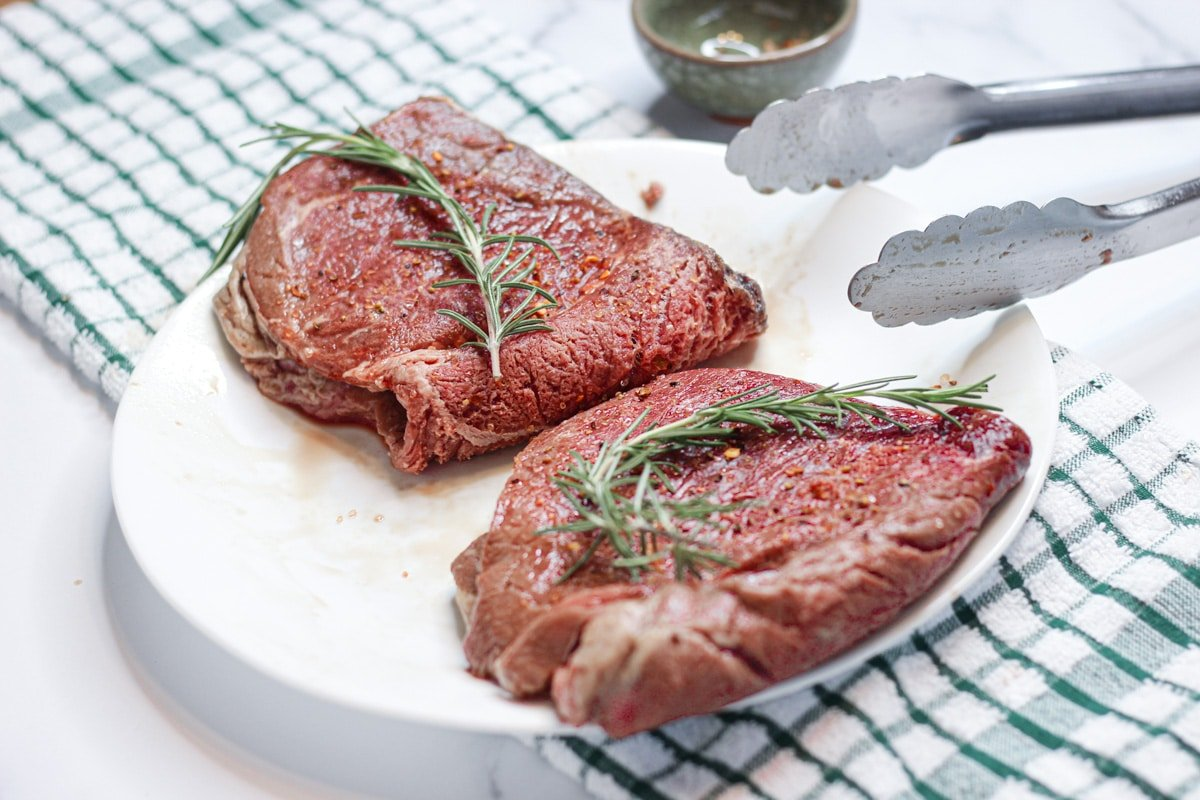 sous vide beef round steak with rosemary