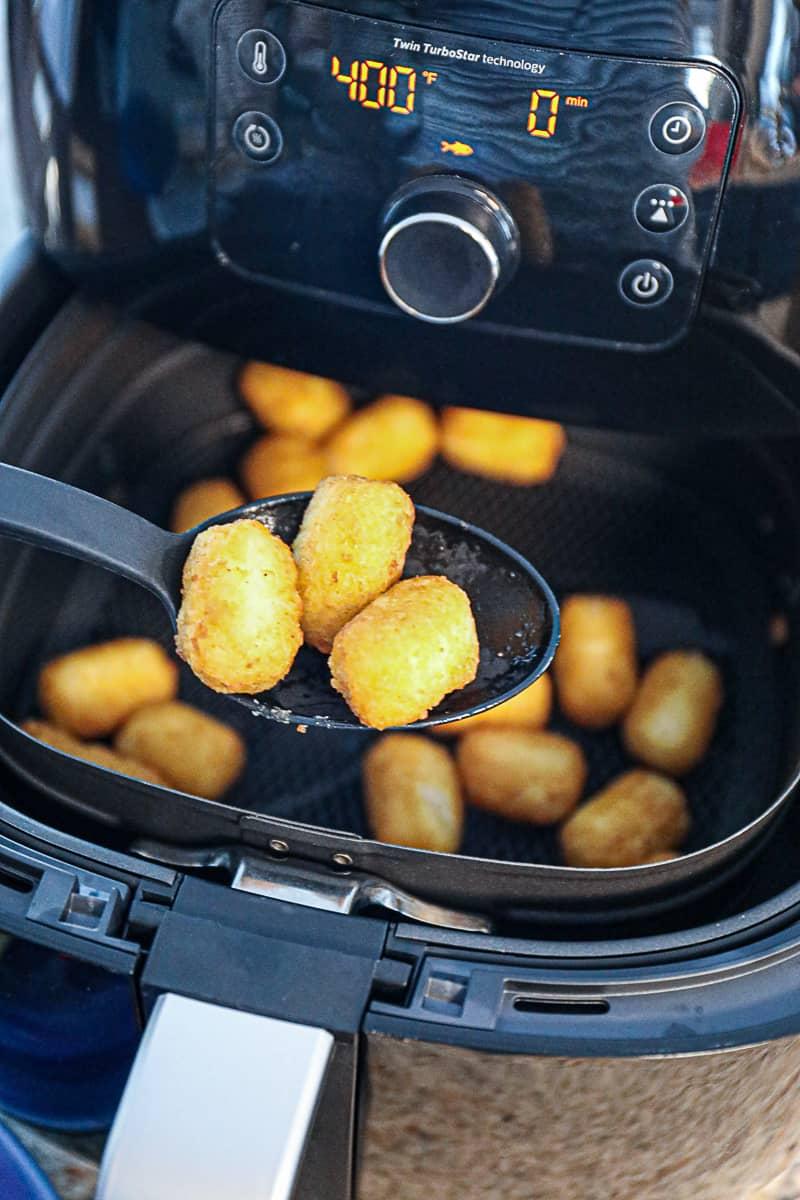 Air frying Veggie Tots