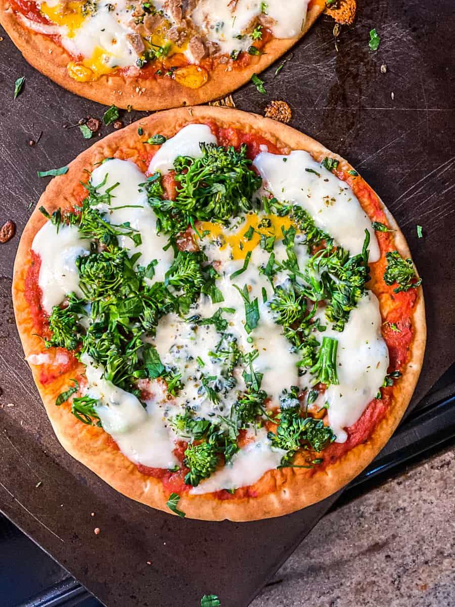Vegetarian Pita Bread Pizza with mozzarella cheese and broccolini