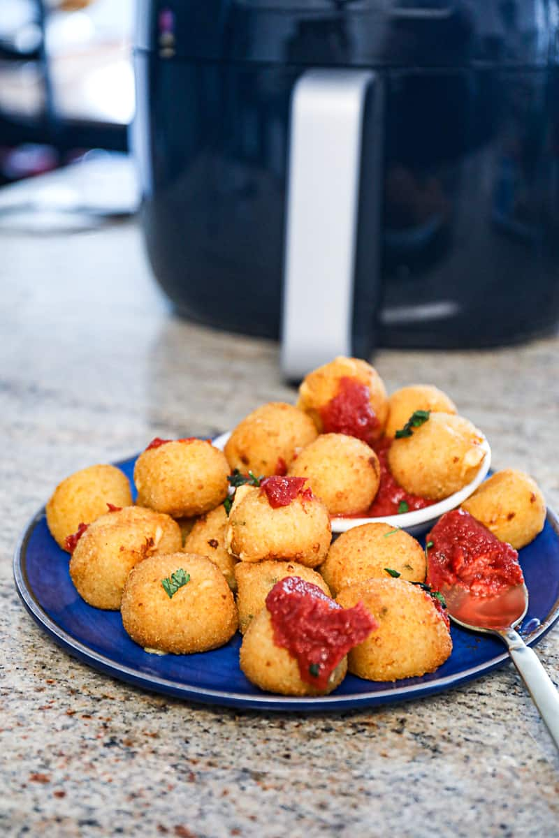 Mac And Cheese Balls cooked in the Air Fryer